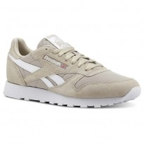 Reebok Classic Leather Shoes For Men White (597TSHNZ)