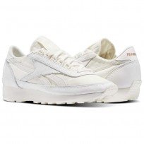 Reebok Aztec Shoes Womens White/Rose Gold (631IVPSF)