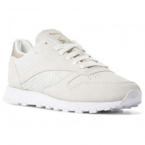 Reebok Classic Leather Shoes Womens Emb-White/Chalk/Sleek Met (945DSCUQ)