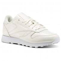 Reebok Classic Leather Shoes For Women White (962CSHQT)